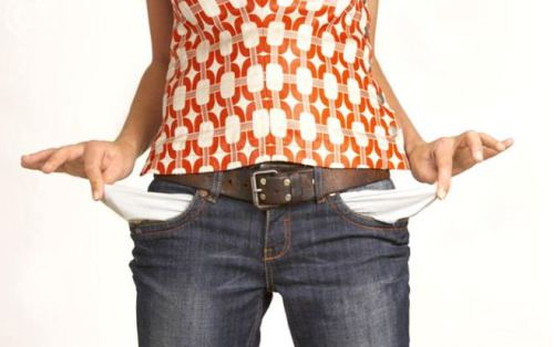 woman-empty-pockets-2